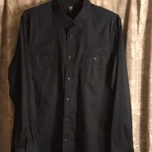 14th and Union black dress shirt size Large.